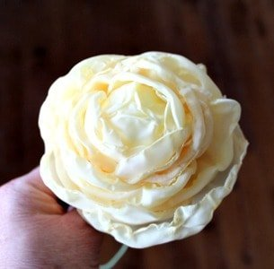hand made flower, DIY flower, flower arrangement, Spring Decor, Fabric Flowers, Flower Tutorial, How to flowers, flower tutorial