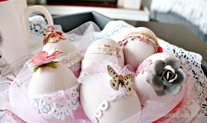 Easter eggs, Easter egg ideas, Easter egg painting, egg decorating, shabby chic easter, shabby chic easter eggs,how to color eggs, pretty Easter eggs, how to dye Easter eggs, beautiful Easter eggs, natural egg dyes, natural egg decorating,