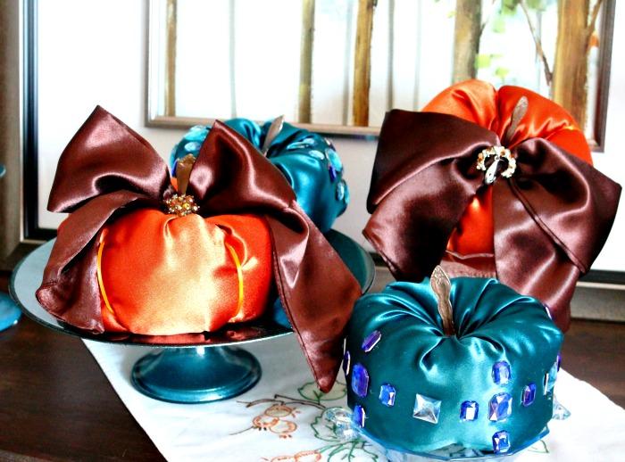 Diy Fabric Paumpkins, How to make fabric pumpkins, satin pumpkins, diy fall decor.