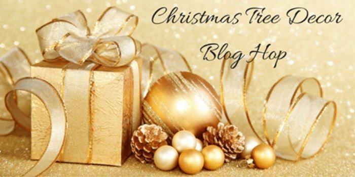 Christmas Tree decorations blog hop.