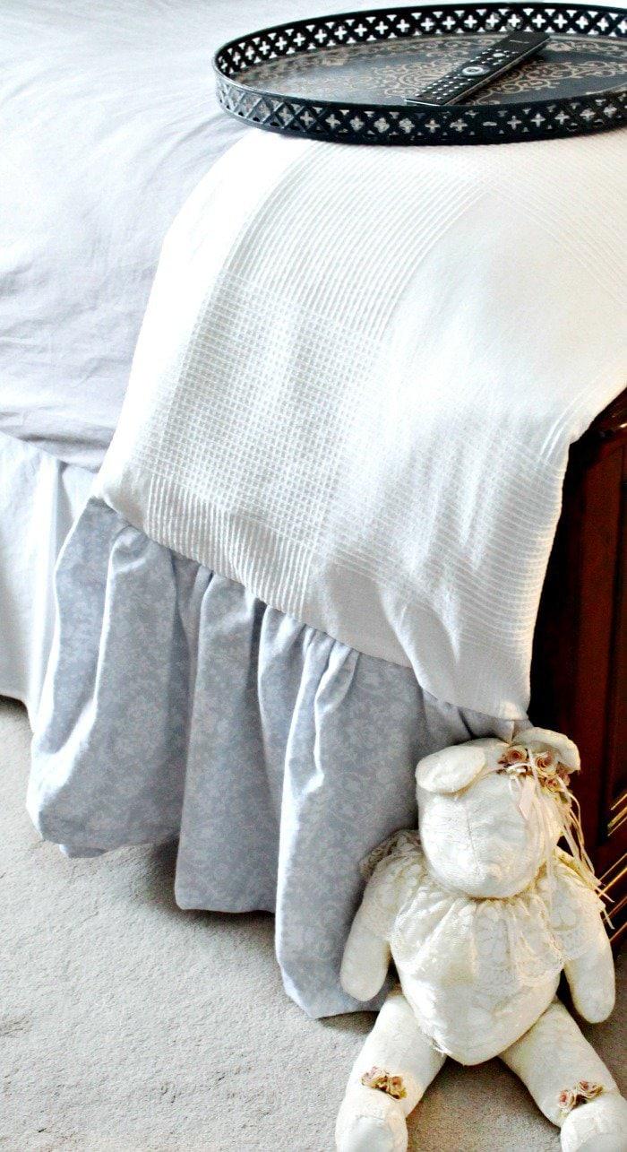 diy blanket, diy throw, diy comforter, ikea hacks, easy quilts to make in a day,