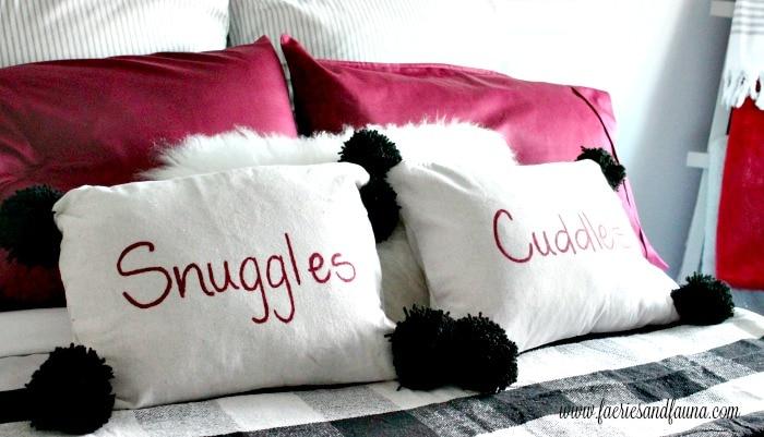 Adorably cute DIY pillows for Christmas