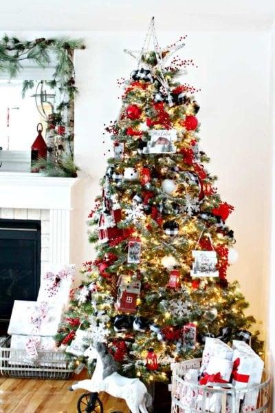 A Farmhouse styled buffalo check Christmas tree