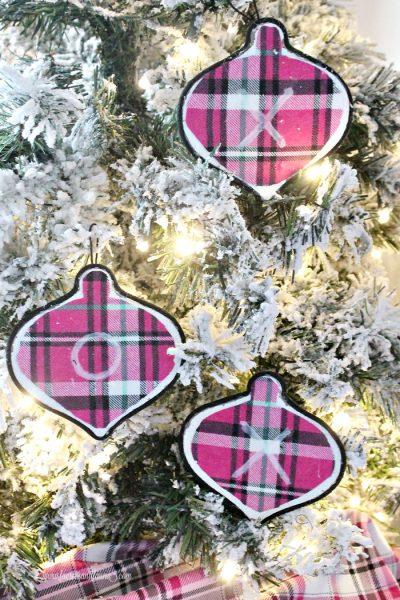 Handmade Christmas tree ornament an easy Christmas craft.