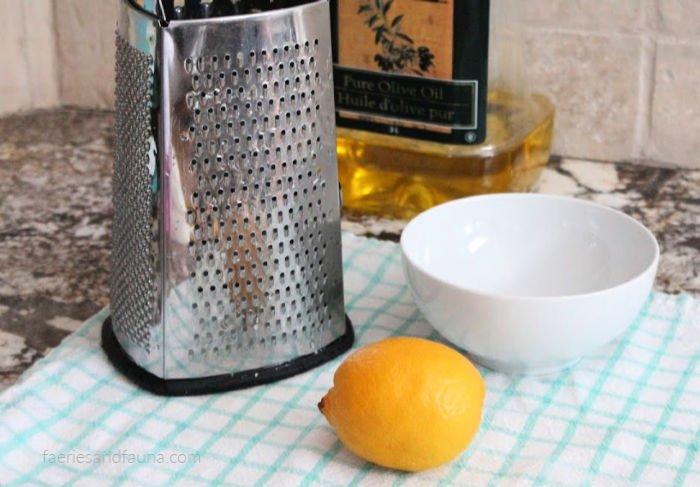 Zesting lemon for a all natural low car lemon chicken recipe.Ze